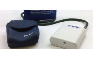 monitora nell'arco della giornata la pressione arteriosa registrando i valori a intervalli di tempo regolari